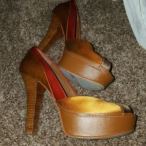 Nine West Peep Toe Heels 6